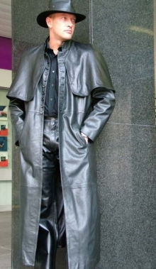 Higgs Leathers {36' to 48' chest}  Van Helsing (men's black Leather Cape Coat)