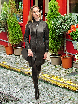 Higgs Leathers ONE ONLY HALF PRICE!  Magna (knee length ladies black leather coat)