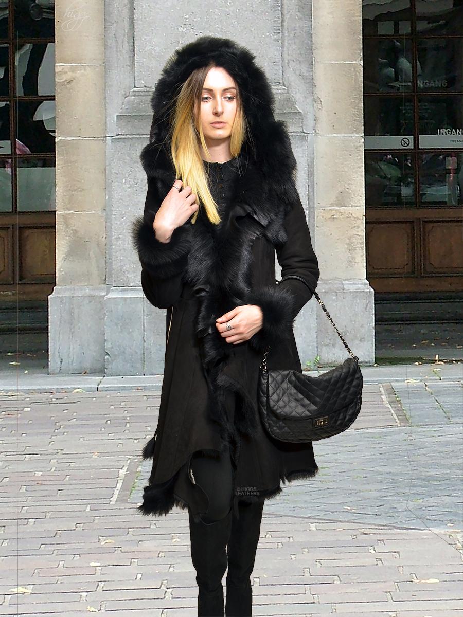 aa1b0be8851 Ladies 3 4 length Sheepskin and Shearling coats