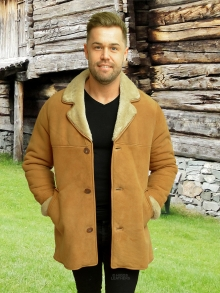 Higgs Leathers NEW PICTURE!  Devon (3/4 length men's Tan Sheepskin coat)